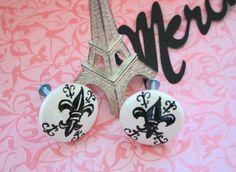 Fleur de Lis Knobs - Paris themed home decor Paris Decor, Paris Theme, Black Dressers, Wholesale Companies, Vintage Marketplace, My Dream Home, Decoration, The Hamptons, Home Remodeling