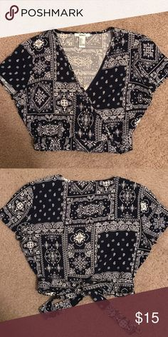 Forever 21 Navy Bandana Printed Wrap Crop Top S Size small. Worn once. Excellent condition. No trades Forever 21 Tops Crop Tops