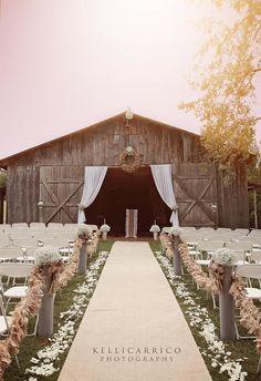 #kellicarricophotography #rusticwedding #Theconfluenceresort @kellicarricophotography
