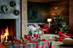 decordemon: Incredibly cozy wooden cottage in the woods by Zara Home Zara Home Holiday, Zara Home Christmas, Christmas Interiors, Christmas Room, Christmas Makes, Cozy Christmas, Modern Christmas, Xmas, Tartan Christmas