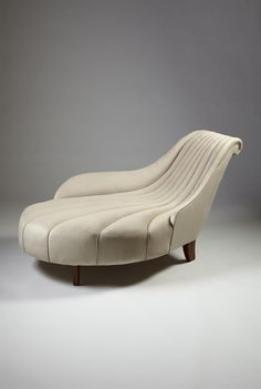 Period furnishings on pinterest koloman moser william for Mobilia uno furniture