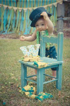 Tasty Bella Cake Smash // Sunshine Coast // first birthday // boy // green // blue // outdoor //