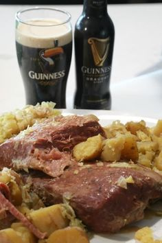 Crock Pot Guinness Corned Beef and Cabbage Recipe Super easy Crock Pot Guinness Corned Beef and Cabbage Recipe! Perfect for St Patrick Day the slow cooker does all the work! Paddy with friends and a bit of Irish beer! Guinness Corned Beef And Cabbage Recipe, Cornbeef And Cabbage Crockpot, Crockpot Cabbage Recipes, Cabbage Slow Cooker, Slow Cooker Corned Beef, Corned Beef Recipes, Corned Beef Brisket, Corn Beef And Cabbage, Baked Brisket