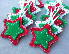 10 red and green star ornaments, green Christmas tree decorations, green star decor, holiday ornies, felt fabric hanging star shapes – christmas decorations Christmas Star Decorations, Christmas Ornament Crafts, Christmas Sewing, Felt Ornaments, Christmas Projects, Felt Crafts, Handmade Christmas, Christmas Tree Ornaments, Holiday Crafts