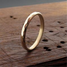 Wedding band Pebble Hammered yellow gold wedding ring design band for a lady - wedding rings My latest addition to my shop: Wedding band Pebble Hammered yellow gold wedding ring design band for a lady - . Platinum Wedding Rings, White Gold Wedding Rings, Wedding Rings For Women, Rings For Men, Rustic Wedding Bands, Wedding Ring Bands, Wedding Ring Designs, Diamond Engagement Rings, Jewelry Collection
