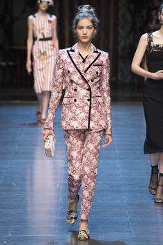 Dolce & Gabbana Spring 2016 Ready-to-Wear Fashion Show - Valery Kaufman