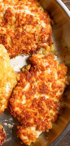 This Parmesan Crusted Chicken is a simple and delicious recipe to add to your chicken repertoire! Thin chicken breasts are are coated in Parmesan, egg, and bread crumbs, and pan fried until crispy! Turkey Recipes, Chicken Recipes, Dinner Recipes, Chicken Meals, Cheesy Chicken, Parmesean Crusted Chicken, Baked Parmesan Crusted Chicken, Good Food, Yummy Food