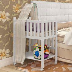 Esse bercinho é uma fofura! Muito prático para quem tem pouco espaço em casa e para que o bebê fique bem pertinho da mamãe.