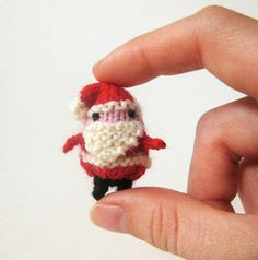 Tiny Santa by Mochimochi Land, via Flickr