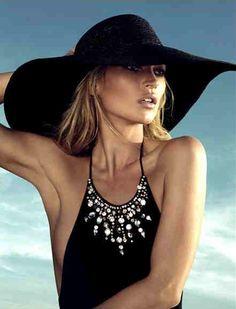Lotus Resort Wear's Suggest Sarong & Resort Wear Look from the Web! Kate Moss♥ na Kate Moss, Estilo Street, Love Hat, Models, Look Chic, Resort Wear, Hats For Women, Dame, Beachwear
