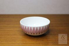 Gustavsberg red SALIX sugar bowl - FourSeasons.fi Stig Lindberg, White Leaf, Sugar Bowl, Old Things, Ceramics, Tableware, Red, Ceramica, Pottery