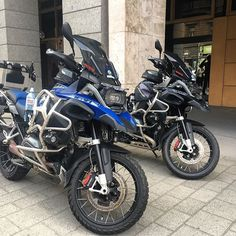 Always make space for the boss  #bmw #bmwmotorrad #bmwmotorcycles #triumph #advrider #super_adv_riders #r1200gs #multistrada #explorer1200 #adventure #touratech @touratech_usa #wunderlich #tiger1200 #ktm_motorcycles @bmwmotorrad_bahrain @bmw_euromotorsbh #makelifearide @swimsbh @d1milanobh @velvet.life #almoayyedmotors #F800 #gs #bmwgs #ducati #honda #aprilia #Yamaha #Paris
