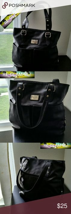 .. RELIC......BEAUTIFUL PURSE.... ....ADDING INFO SOON...EXCELLENT CONDITION ....NORMAL WEAR....NO FLAWS Relic Bags