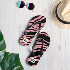 Prepare for an adventurous and carefree summer with a pair of colorful slippers that are created just for you! The rubber sole is lined with a soft fabric to make sure you feel comfortable wherever your day takes you. • Rubber sole • Customizable 100% polyester fabric lining • Black Y-shaped rubber straps • Toe [...] The post Flip-Flops appeared first on Dullaj.com. Flip Flop Sale, Fashion 2020, Fashion Trends, Womens Flip Flops, Tiger Print, Sporty Style, New Shoes, Flipping, Soft Fabrics