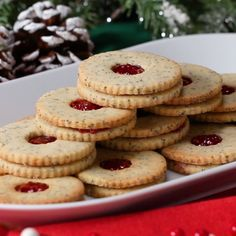Raspberries have never looked more delicious 😍 These classic, buttery cookies sandwiched together with a tart and fruitful jam create a delicious dessert for any occasion. With a crunchy hint of McCor Köstliche Desserts, Delicious Desserts, Dessert Recipes, Yummy Food, Linzer Cookies, No Bake Cookies, Baking Cookies, Tasty Cookies, Cake Baking
