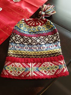 Fair Isle Fisherman's Kep. – The Best Ideas Motif Fair Isle, Fair Isle Pattern, Fair Isle Knitting, Free Knitting, Sock Knitting, Wooly Hats, Knitted Hats, Knitting Projects, Knitting Tutorials