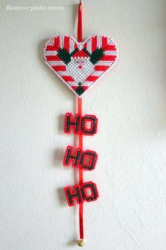 Christmas Santa heart plastic canvas ,christmas ornaments ,santa door hanger, Christmas decorations outdoor, christmas decoration handmade