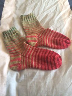 More about 2 in 1 socks! www.knittinginfrance.com