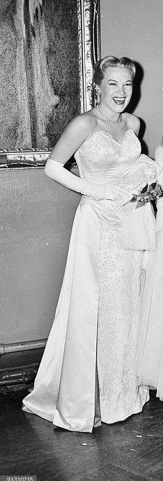 Dorothy Kirsten, opera singer