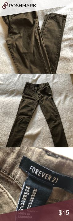 FORVER 21 Army green Pants FORVER 21 Army green pants. More cotton like than Demin Forever 21 Pants Skinny