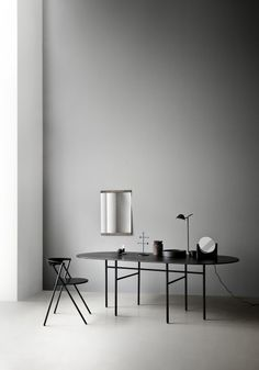 Part of the Snaregade Table series by Norm Architects, the Menu Snaregade Oval Table is both sleek and sophisticated. Casa San Sebastian, Scandinavian Lamps, Scandinavian Design, Nordic Design, Nordic Style, Furniture Decor, Furniture Design, Luxury Furniture, Espace Design