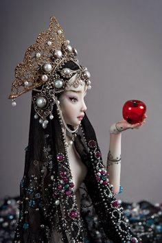 Blk hair, apple
