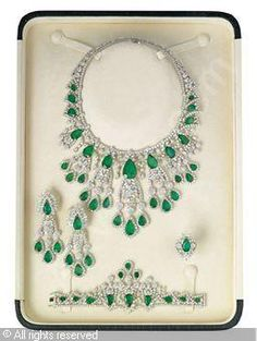 Chatila Set of 5: Emerald and diamond, emeralds stated to weigh a total of 178.42 carats, diamonds stated to weigh a total of 185.80 carats