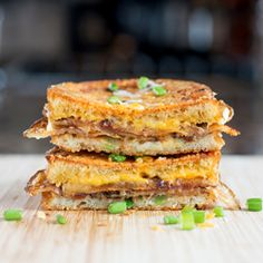 The comfort classic of Scalloped Potatoes in Grilled Cheese form!