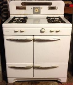 NANA'S VINTAGE ANTIQUE Caloric Gas Stove Range Oven from the 1950s - chris said this is my house warming present lol
