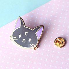 Lunar gato negro esmalte Pin - Pin de oro esmalte duro / solapa / broche / insignia - Brujas, Wicca, Sailor Moon, gato negro, felino, lindo, Luna