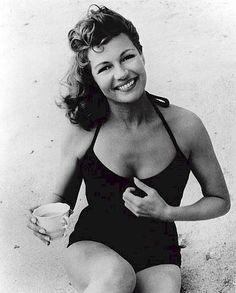 Rita Hayworth. So pretty!
