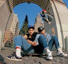 Portrait: Beastie Boys hanging out in Washington Square Park by Glen E. Beastie Boys, Rapper, Arte Punk, Washington Square Park, Youth Culture, Hip Hop Rap, Pictures Of People, Post Punk, Photos Du