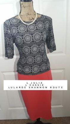 Be Simply Comfortable in this amazing #lularoejulia and #lularoecassie. #lularoe #lularoeoutfit #lularoeshannonroute