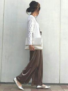 ご覧いただきありがとうございます☆ 大好きな茶茶コーデ ベロア素材のワイドパンツは履き心地抜群で