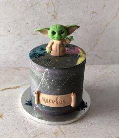 9th Birthday Parties, 8th Birthday, Birthday Cake, Star Wars Cake, Star Wars Party, Yoda Cake, Cake Designs For Kids, Beautiful Cakes, Cupcake Cakes