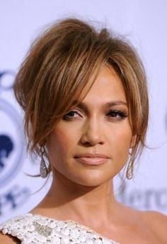 Jennifer Lopez: Carousel of Hope with Marc Anthony!: Photo Jennifer Lopez is white hot at the Anniversary Carousel Of Hope Gala at the Beverly Hilton Hotel on Saturday (October in Beverly Hills, Calif. Hairstyles With Bangs, Pretty Hairstyles, Bangs Updo, Langer Pony, Corte Y Color, Long Bangs, Hair Makeup, 80s Makeup, Dead Makeup