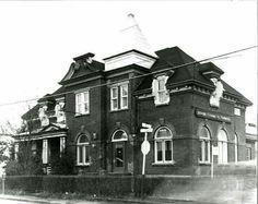 Banque Canadienne Nationale (, Banque Nationale) au 840 boul Saint-Joseph à Roberval