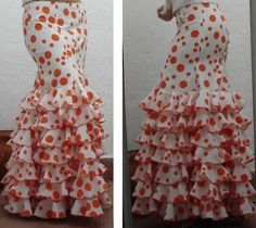 Wish list: a flamenco skirt with tiers of ruffles like this. Flamenco Skirt Pattern, Flamenco Costume, Flamenco Dresses, Skirt Patterns Sewing, Couture Sewing, Slow Fashion, Kids Fashion, Cute Dresses, Ruffles