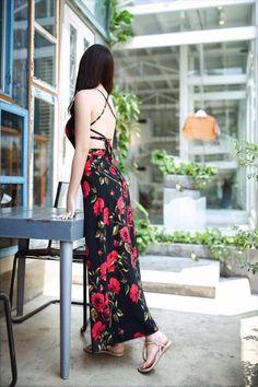 Đầm maxi hoa hồng đan dây thời trang