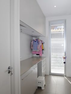 Laundry Room Hanging Clothes Racks Design, Pictures, Remodel, Decor and Ideas - page 12 Modern Laundry Rooms, Laundry In Bathroom, Interior Design Living Room, Living Room Designs, Hanging Clothes Racks, Drying Rack Laundry, Laundry Room Inspiration, Laundry Room Organization, Laundry Room Design