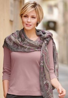 Love the scarf and simple shirt combination - pink jersey top with gray and pink scarf.