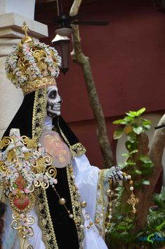 Fall Halloween, Halloween Costumes, Mermaid Headpiece, Day Of The Dead Girl, Riviera Maya, Occult Art, Character Design Inspiration, Makeup Art, Flower Crown
