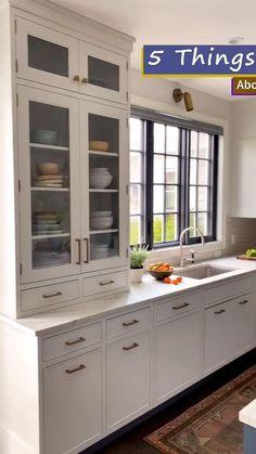 Kitchen Room Design, Kitchen Cabinet Design, Modern Kitchen Design, Modern House Design, Interior Design Kitchen, Kitchen Decor, Glass Kitchen Cabinet Doors, White Kitchen Cabinets, Kitchen Shelves