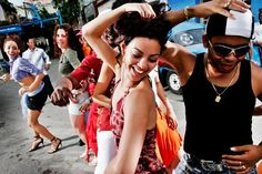 Cuban Salsa For Beginners – Master the Basics Usually it's quite difficult to find some decent video tutorials on Cuban Salsa, aka Salsa Cubana or Salsa Casino. Most of them are poorly explained and performed. But these guys did quite a really good job by creating this video class. Although the names of the steps …