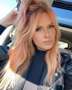 Peach Hair Dye, Peach Hair Colors, Apricot Hair, Blonde Hair Looks, Thin Hair Haircuts, Strawberry Blonde Hair, Balayage Hair Blonde, Hair Color And Cut, Light Hair