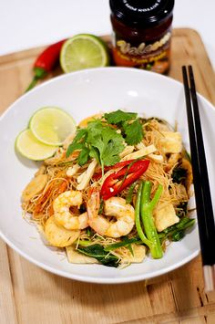 Tom Yum Fried Vermicelli (Mee Hoon) by Psilovetocook.com