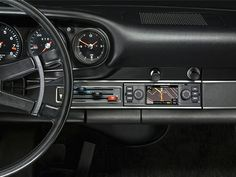 Porsche Classic brings out new navigation radio for classic sports cars