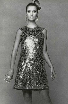 1966 Yves Saint Laurent klänningen fast skamligt kort