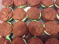 Zuckerexplosionen: Hausgemachte Oreos - Homemade Oreos, Green Food Coloring, Estilo Boho, Confectioners Sugar, Natural, Brown Sugar, Baking Soda, Cocoa, Oven