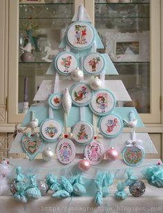 """Новогодние миниатюры из """"Большой рождественской истории"""" """"Les brodeuses parisiennes"""" Дизайнер Veronique Enginger Подробности в блоге..."""